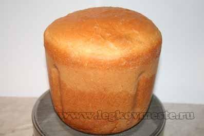 Готовый хлеб с хрустящей корочкой