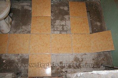 Укладка плитки на пол (размечаем расположение рядов)