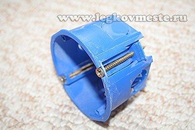 Коробка для крепления розетки в гипсокартоне