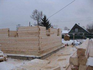 общий вид строения стен бани из бруса