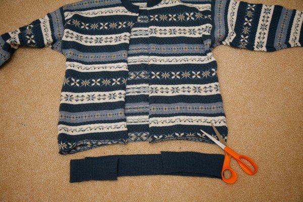 пуфик из старого свитера