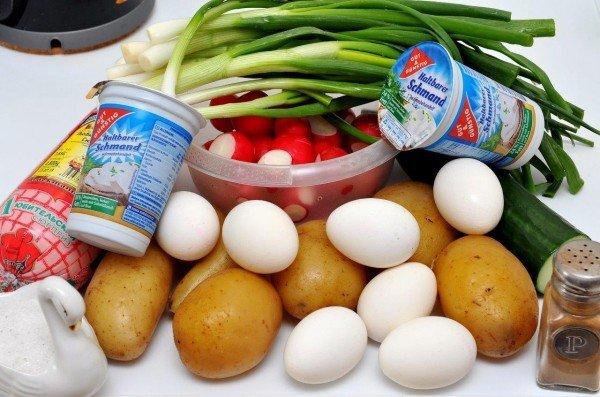 Популярное летнее блюдо окрошка: готовим на кефире!