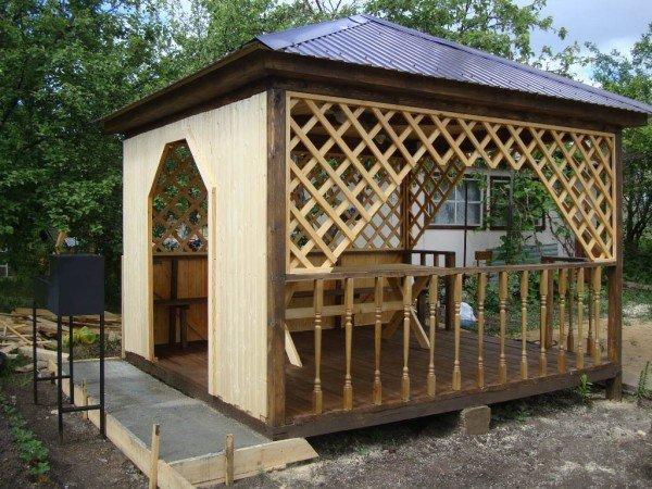 Дачный шатёр из дерева