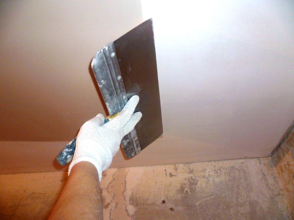 Шпаклевка гипсокартона на потолок своими руками
