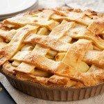 Вкусный пирог с курагой и яблоками