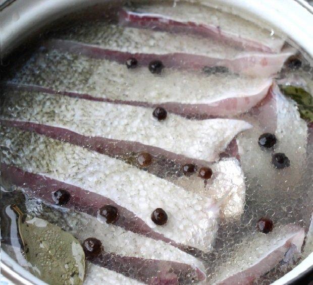 селедка из толстолобика рецепт с фото