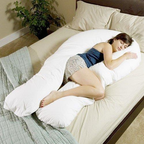 U-образная подушка одинаково удобна с двух сторон