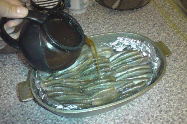 Салака с чайной заваркой