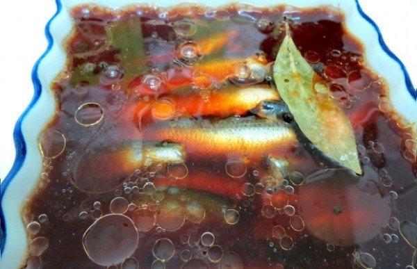 Салака в заливке и подсолнечном масле