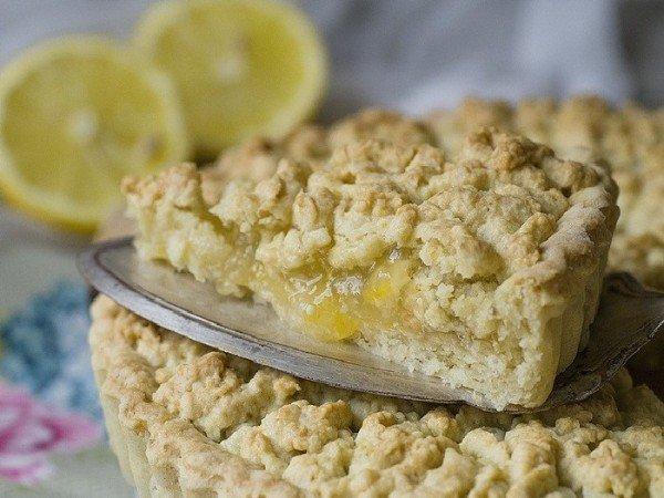 тёртый пирог с лимоном и творогом