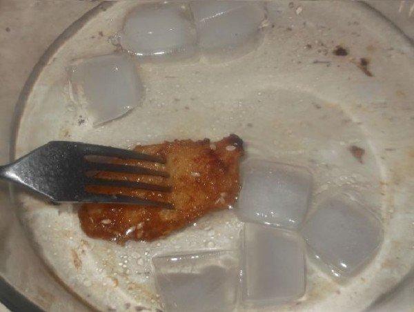 Яблоки в карамели со льдом