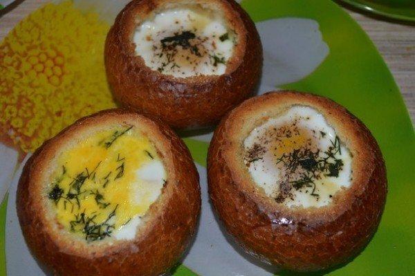 яйцо в булке
