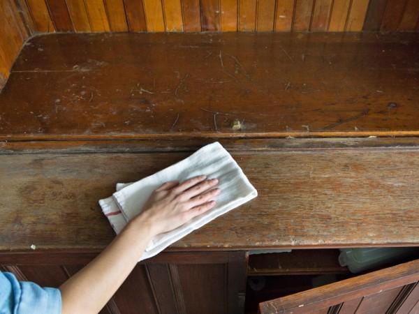 очистка старого шкафа