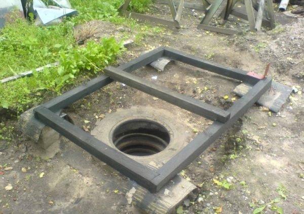 Фундамент дачного туалета