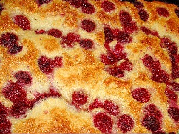 Дрожжевой пирог с малиной рецепт с фото