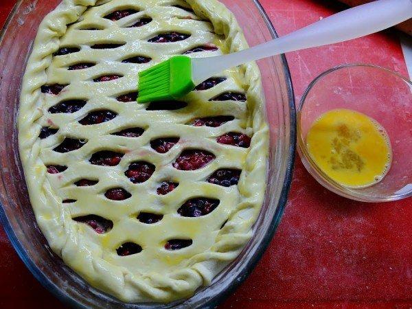 пирог из слоёного теста в форме