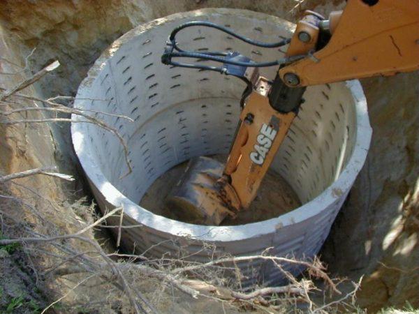 сточная яма из бетонных колец
