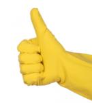 рука в резиновой перчатке