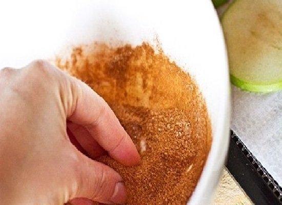 смесь сахара и корицы