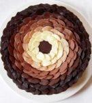 листья по кругу торта с переходом цвета