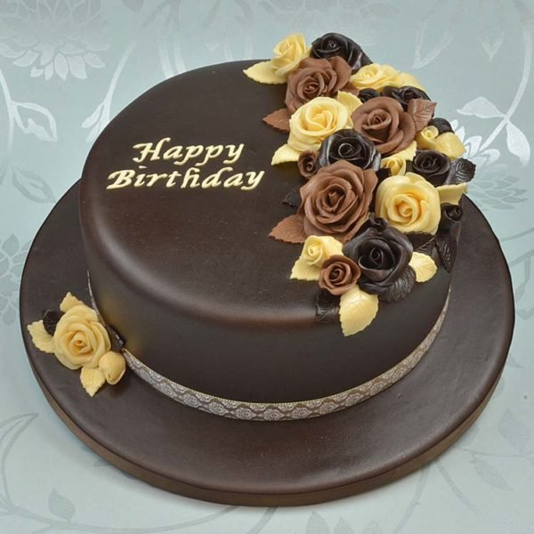 торт с шоколадной мастикой