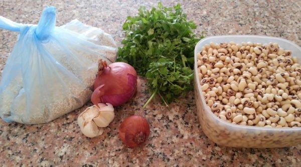 Фасоль, зелень, чеснок, лук, кунжут
