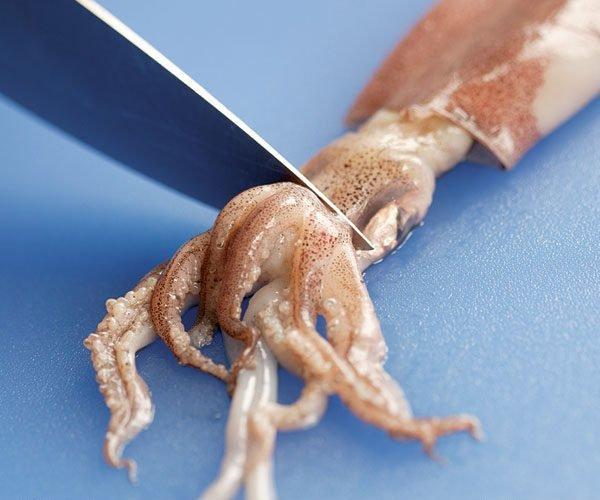 Чистка кальмара