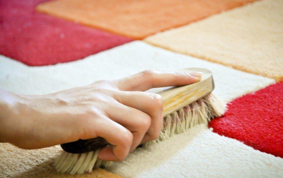 Как почистить ковер в домашних условиях содой и уксусом: отзывы, рецепты растворов + видео