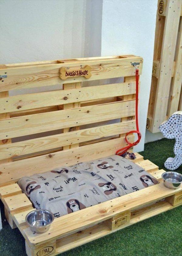 лежанка из поддонов для домашних питомцев