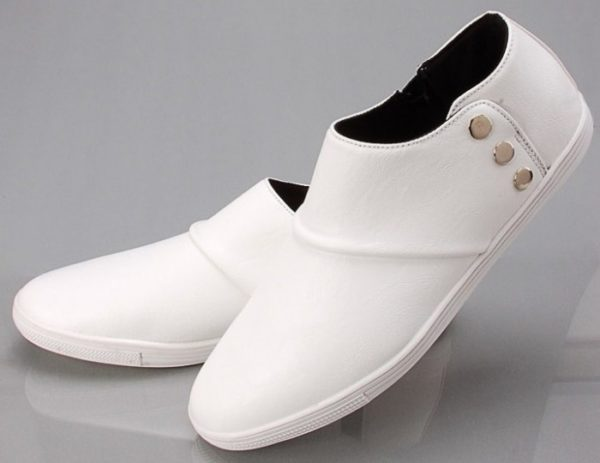 Обувь из белой кожи