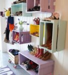 Полки для обуви из деревянных ящиков