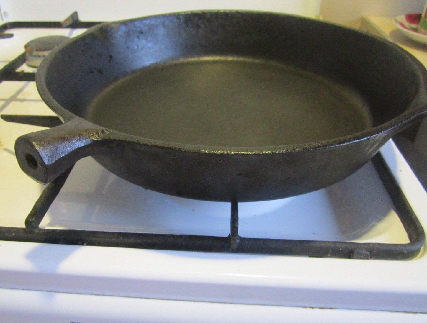 Как прокалить чугунную сковороду в домашних условиях