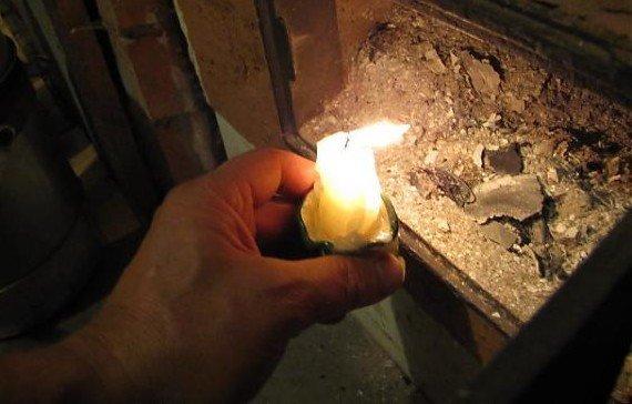 Свечка возле печки