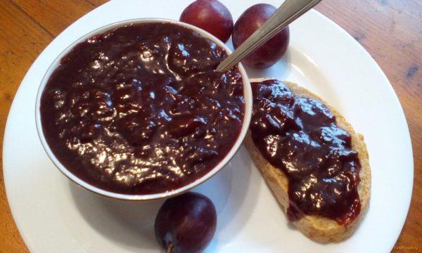 Шоколадно-сливовое лакомство