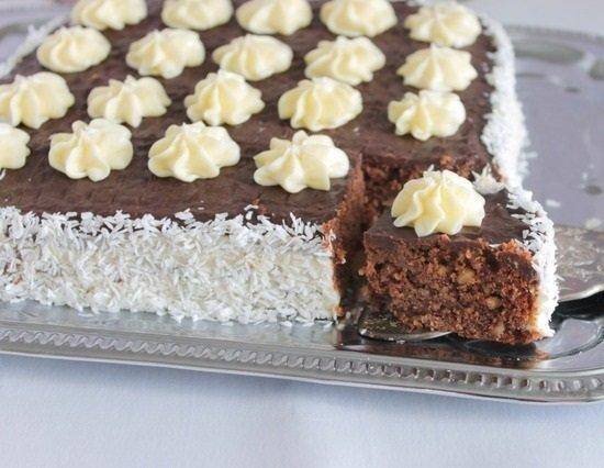 Шоколадный пирог без яиц с кремом