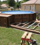 Восьмиугольный бассейн из деревянных палетов