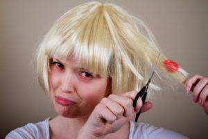 Жевательная резинка в волосах