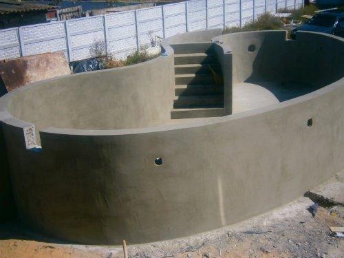 Идеально оштукатуренный бассейн