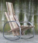 Кресло из труба и дерева