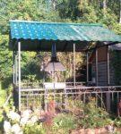 Металлическая беседка с крышей из металлочерепицы