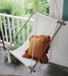 Кресло-качели из ткани