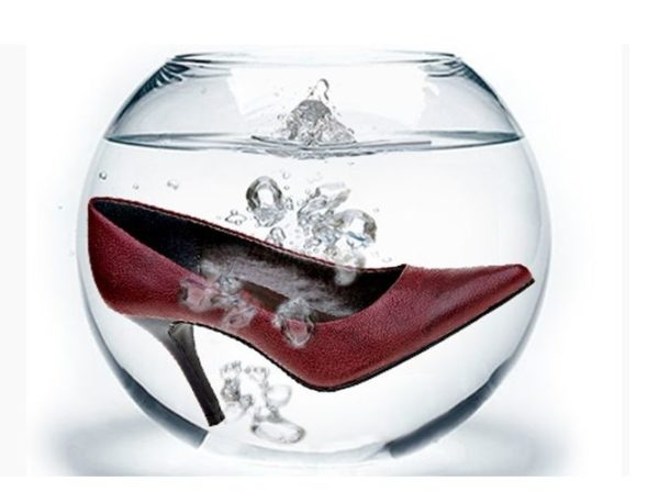 Туфля в аквариуме