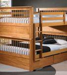 Двухъярусная кровать с двумя двуспальными местами