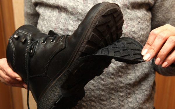 Заводской брак обуви