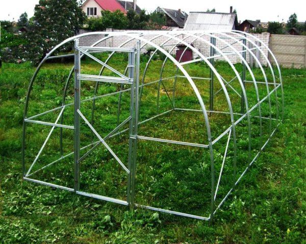 Каркас арочной конструкции парника