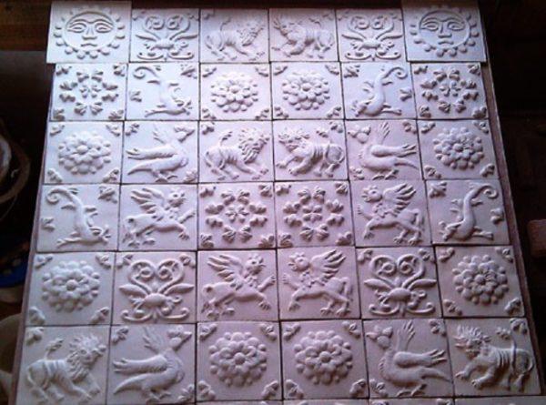 Пример плитки майолики