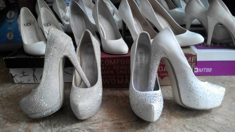 Свадебные туфли разных размеров