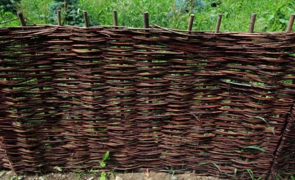 Забор деревенский