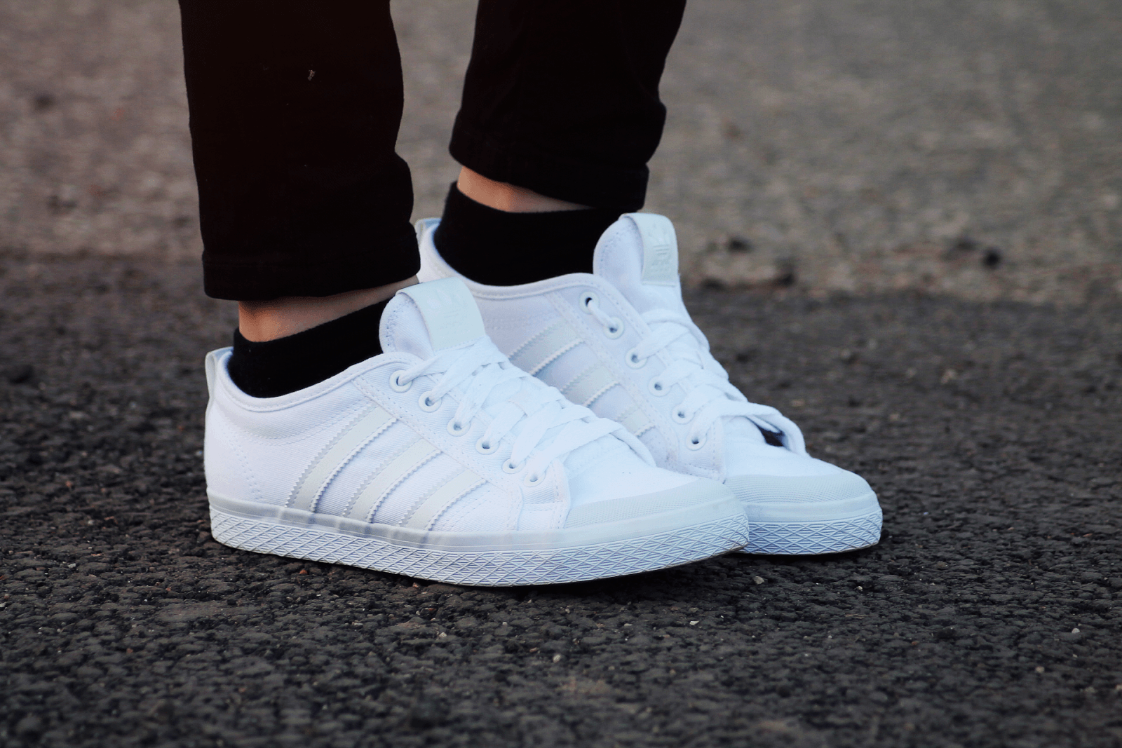Как кроссовки сделать снова белыми