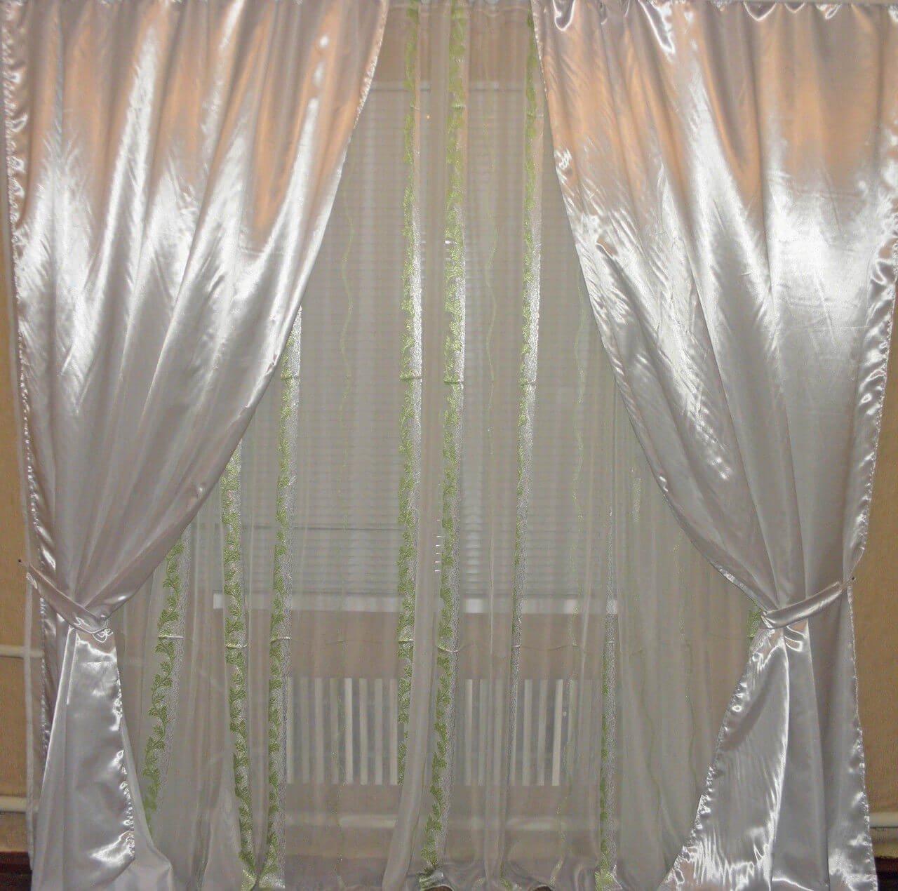 фото атласные шторы